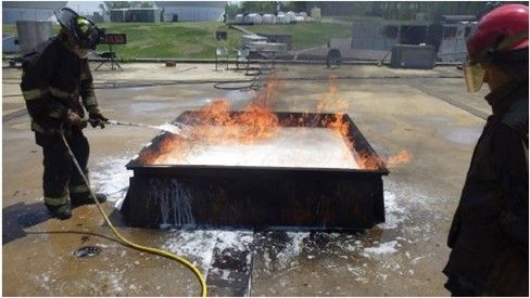 <p>AR-F3 unable to contain gasoline vapors. It appears to react with the foam blanket particularly at lower 3-4:1 expansion ratio.</p>[ CREDIT ]<p>NFPA Research Foundation</p>