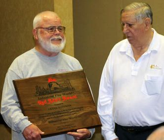 Frank Bateman (left) receives award from David White - Photo by Anton Riecher.