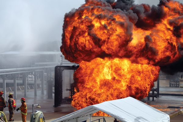 The pump alley training prop is ignited. - Photoby Anton Riecher.