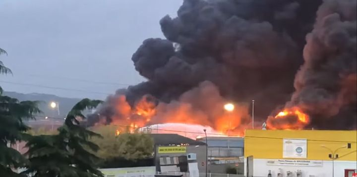 Flames spread though the Lubrizol refinery in Rouen, France, in September 2019. - Screencapture Via YouTube