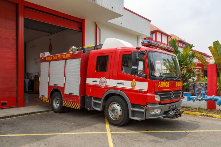 Malaysian fire truck. - Photo by CEphoto, Uwe Aranas