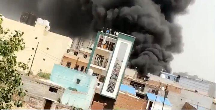 Chemical plant fire reported Sunday in Ghaziabad, India. - Screencapture Via Sanjaykumarpv