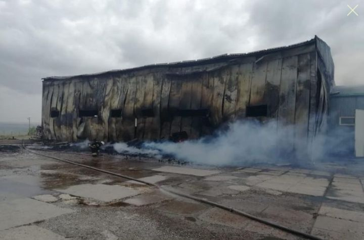 Fire broke out at a bottling plant warehouse in southern Russia. - Photo courtesy of EMERCON