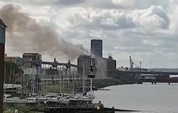 An explosion at Tilbury Docks grain terminal in the UK shook houses for miles. - Screencapture Via YouTube
