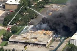 Houston Loses Ladder Truck During Warehouse Fire