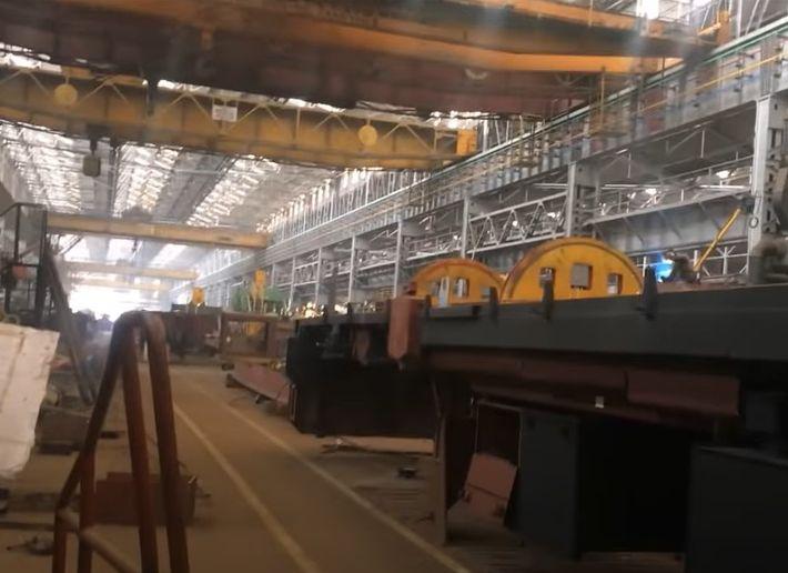 The diesel locomotive works at Varanasi, India. - Screencapture Via YouTube
