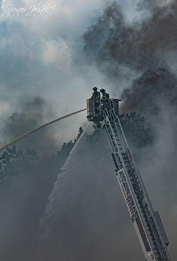 Photographer Spencer Jelinek captured photos of the blaze. - www.facebook.com/spencerjelinekphotography