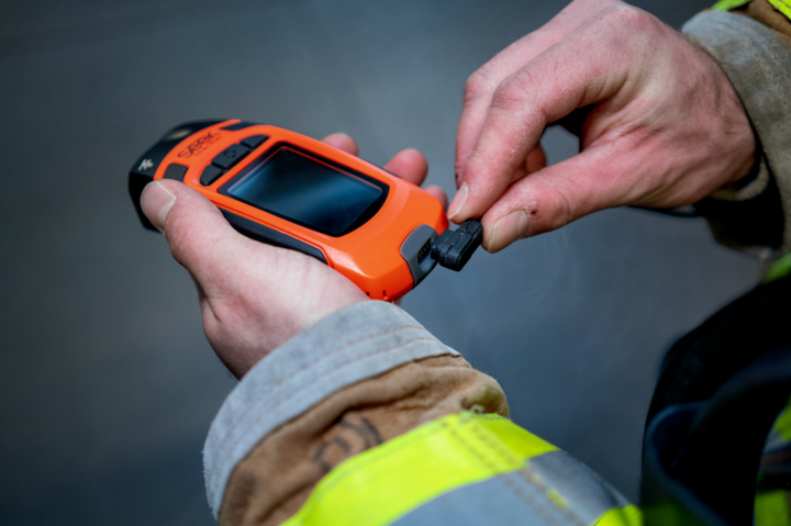 The compact size of the lightweight Reveal FirePRO X makes it easy to carry and manage in tough conditions, while its high resolution and fast frame rate deliver images superior to any other camera in its price point. -