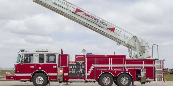 The patented new Smeal®ladder and outrigger control system that offers increased versatility...