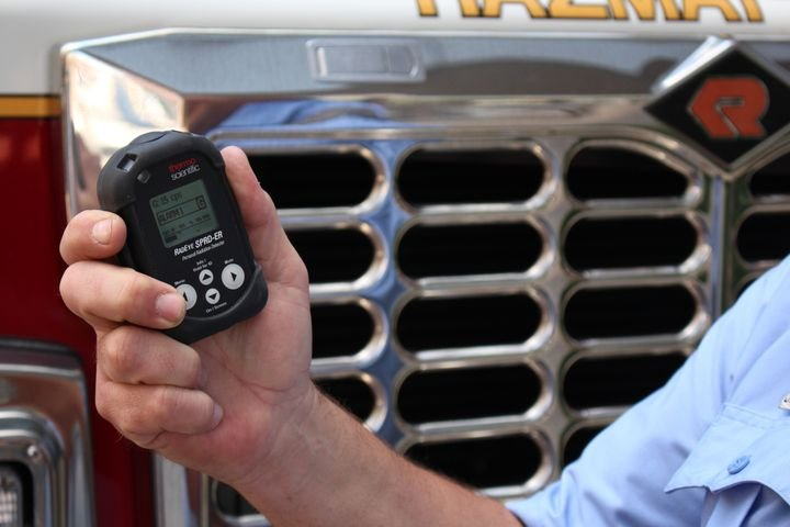 Thermo Fisher Scientific's SPRD-ER Personal Radiation Detector can alert law enforcement officers to the presence of dangerous radiation at traffic accident and crime scenes. - Photo: Thermo Fisher Scientific