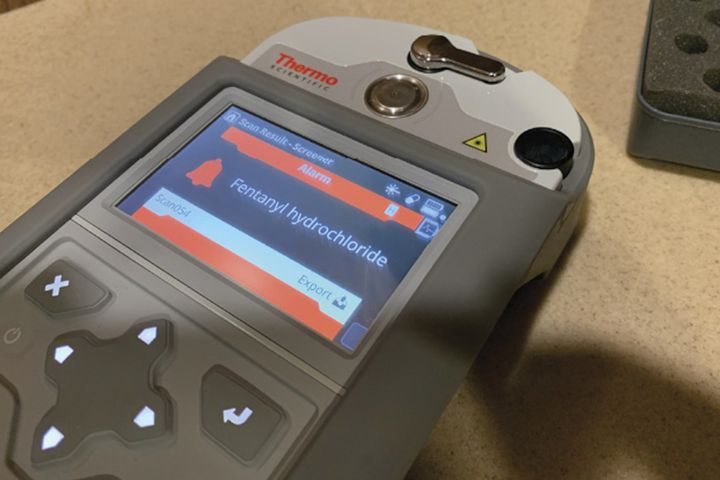 The Thermo Scientific Gemini Analyzer can now make chemical identification of substances with a concentration between 1% and 10%. (Photo: Thermo Fisher Scientific) -