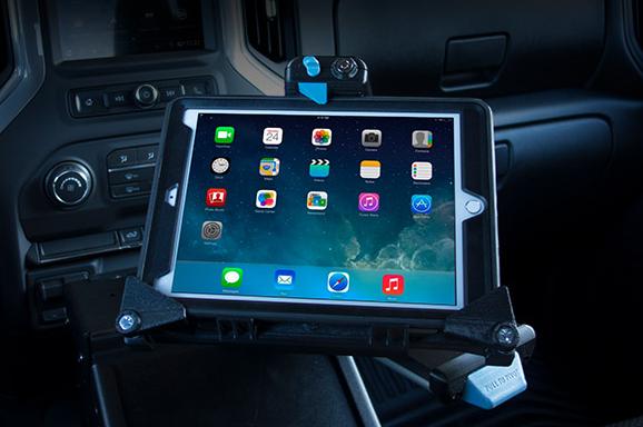 new Universal Tablet Cradle from Gamber-Johnson  - Photo: Gamber-Johnson