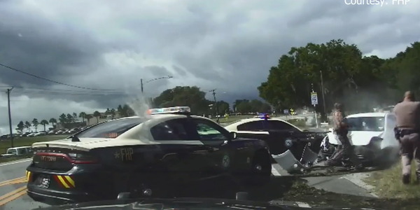 Video: 3 Naked Women Lead Florida Police on Wild Vehicle Pursuit