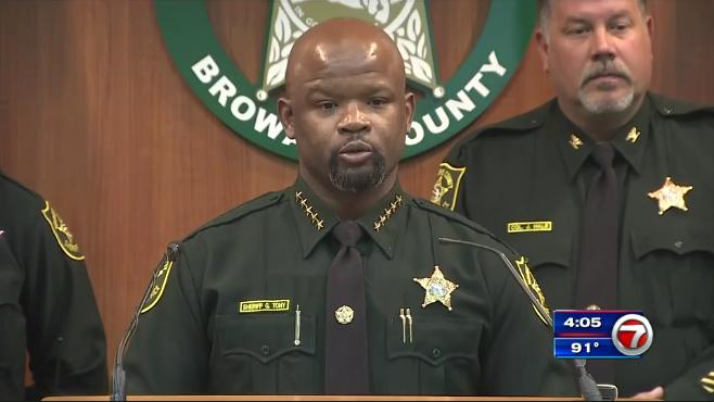 sheriffs deputies fired dozens - 658×370