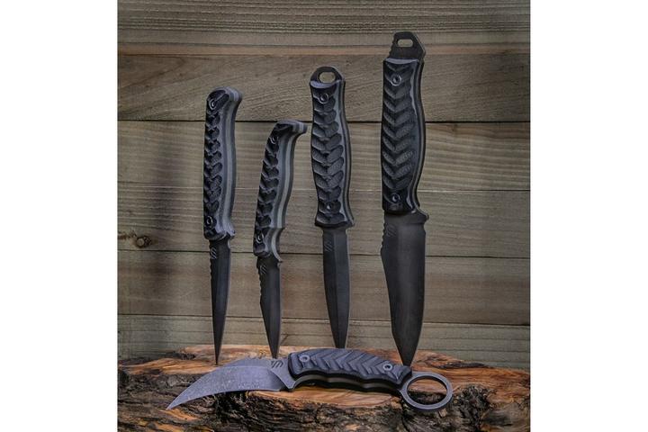 Blackhawk Andrew Arrabito Blades  - Photo: Blackhawk