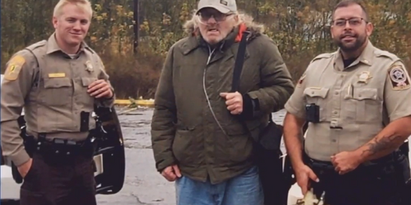 Video: Alabama Deputies Help Disabled Veteran Walking 100 Miles to VA Appointment