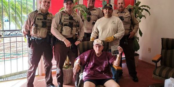 Deputies went out of their way to help a lonely elderly man.