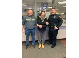 An off-duty officer with the Manitowoc Police Department is being credited with helping to save the life of a man who was slumped over in his car in the middle of an intersection in late December.