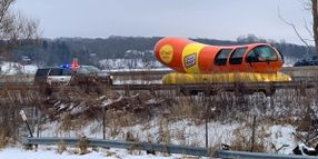 "Wisconsin Deputy Issues Warning to Driver of Oscar Mayer ""Wienermobile"""