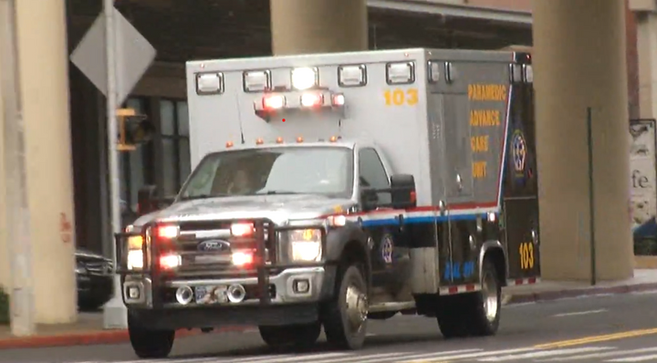 A wounded Forrest City, AR, police officer arrives at a Memphis trauma center. He is expected to recover. (Photo: Fox 13 Screen Shot) -
