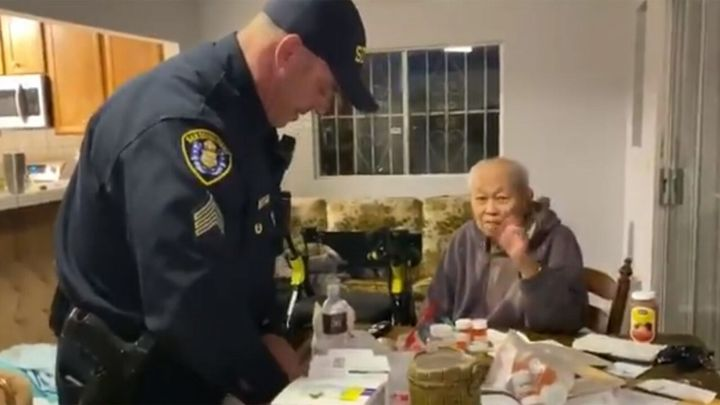 San Diego police officers brought food and groceries to a 95-year-old man earlier this week. (Photo: San Diego PD) -
