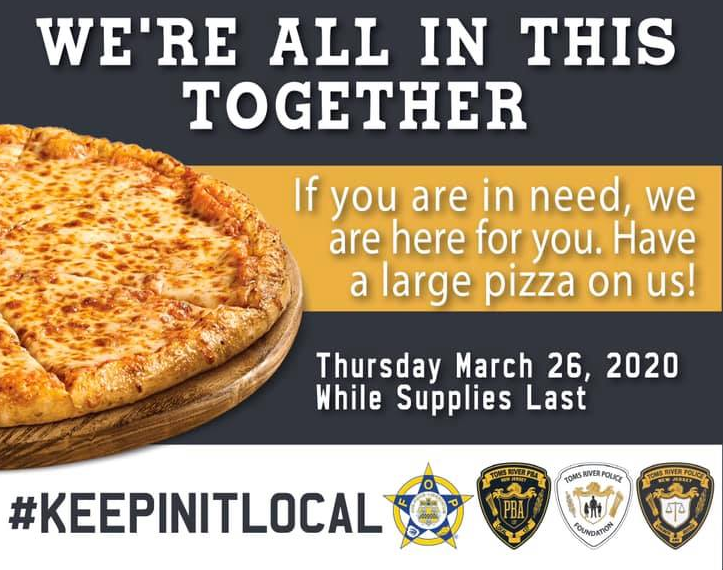 New Jersey Officers Give Away 300 Pizzas to Needy Families
