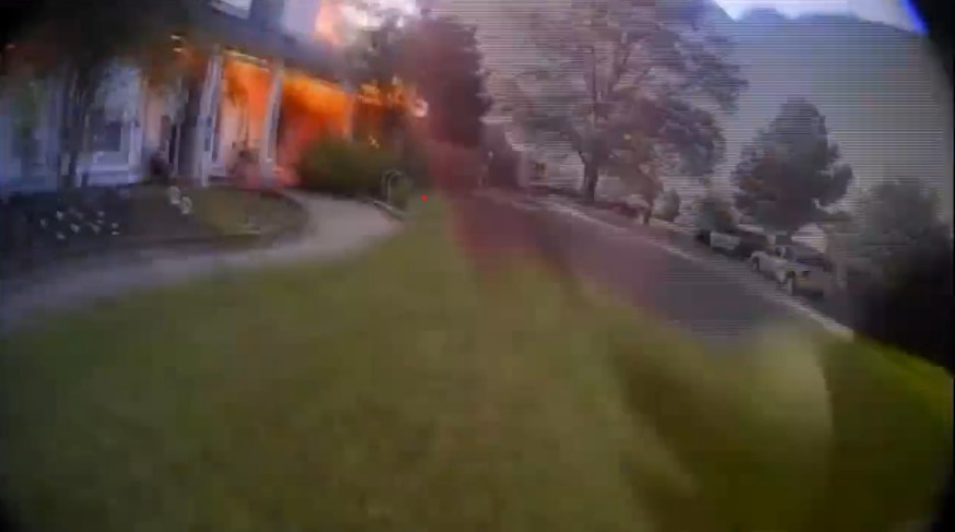 Arkansas Officer Runs into Burning Home to Rescue Occupants
