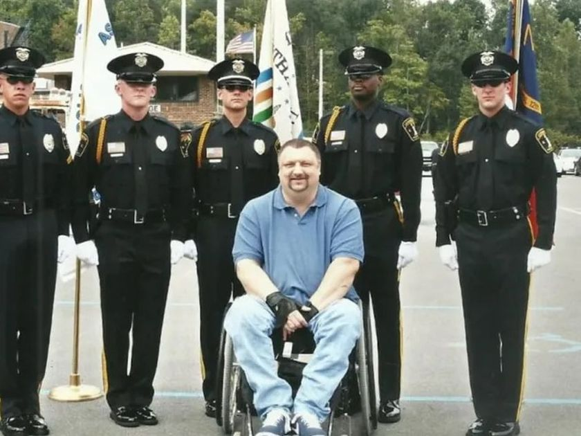 Lexington, NC, officer David Parde was shot and paralyzed in 1992. He died Saturday. (Photo:...