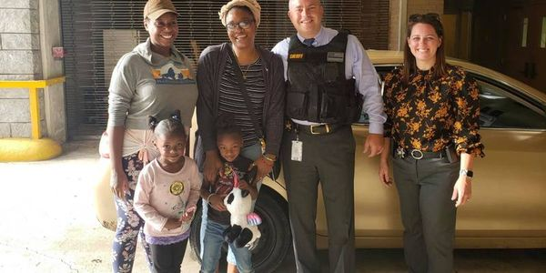Cobb County Sheriff's deputiesgave a woman a set of better child seats instead of a ticket....