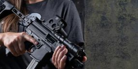 EoTech's XPS2 Holographic Weapon Sight is Built for Close-Quarter Engagements