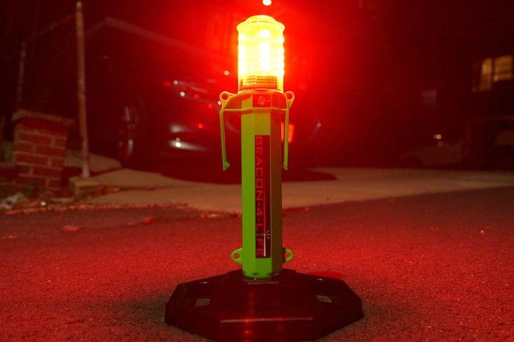 Life Safety Lighting Beacon-4-Life Warning Beacon/Flashlight - Photo: Life Safety Lighting