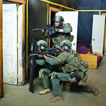 Patrol officers don't have the all the equipment and training of tactical units, but they can learn from the tactics, including room clearing from the threshold. (Photo: Franklin Rau)