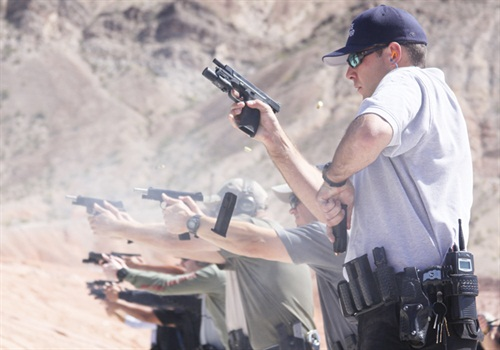 The LSL program stresses the complications found in close quarters, forcing officers to see, understand, and react faster. (Photo: Khyber Interactive Associates LLC)