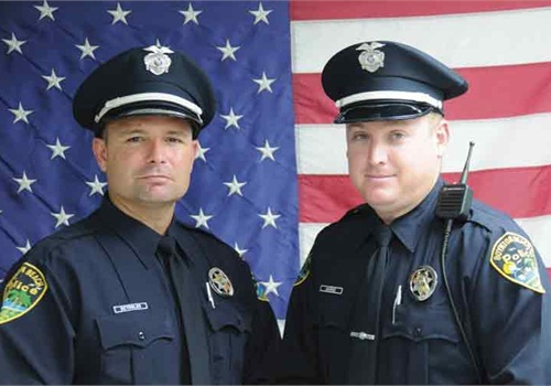 Officers Eric Reynolds (left) and Christopher Munro. Photo: Boynton Beach PD.