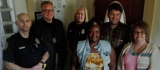 Lincoln Police Department officers work with peer specialists from the REAL program to make sure subjects get the opportunity to receive mental health services. (Photo: REAL Program)