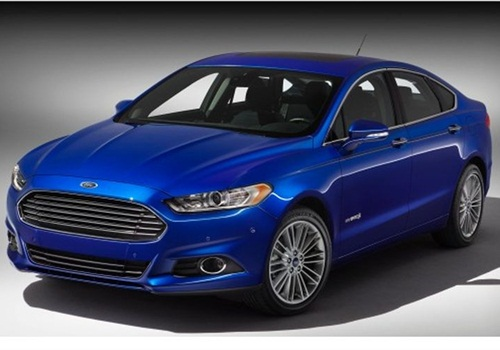 The 2013 Ford Fusion hybrid. Indianapolis currently operates these in their fleet and wants to shift all patrol vehicles to hybrid or EV powertrains by 2025. Photo courtesy of Ford.