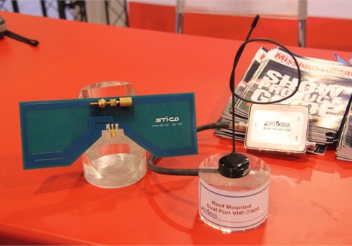 STI-CO Industries' dual-port antenna mounts to patrol car roof.