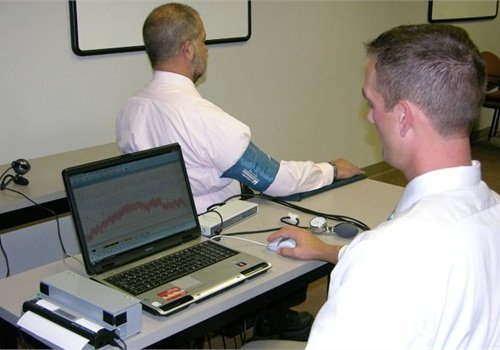 Sgt. Ryan Andresen conducts a polygraph examination. Photos courtesy of the SOMU.