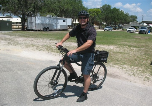 Tampa PD's Officer Chet Holden poses on a Safariland Kona 29er bicycle. Photo courtesy of TPD.