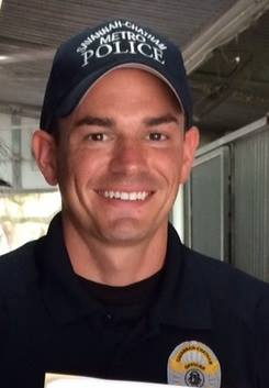 Savannah Officer Rescues People from Burning Home