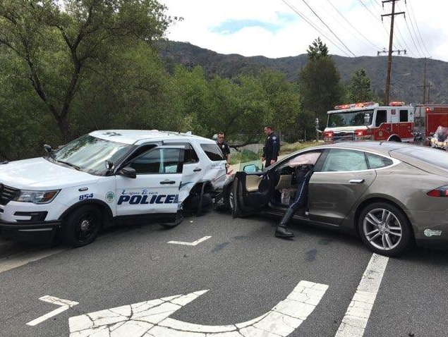 Tesla in Autopilot Mode Crashes into California Police Vehicle