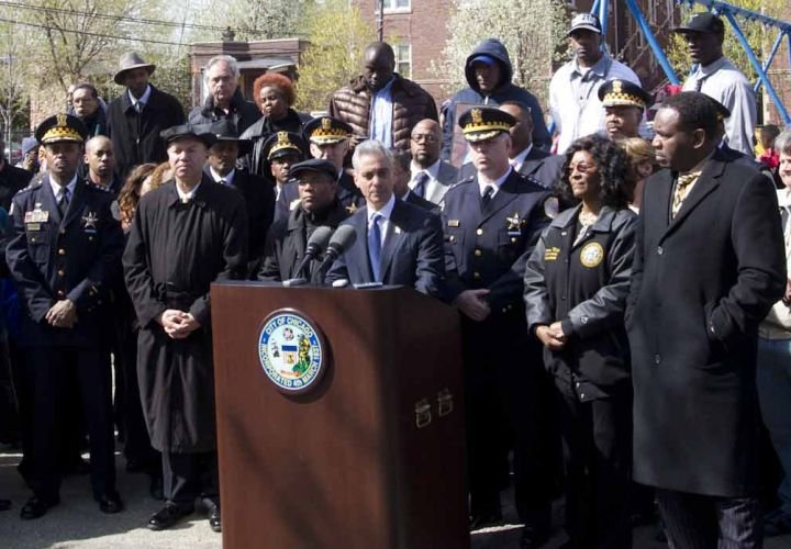 Chicago Police Take Down Two West-Side Gangs