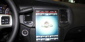 Chrysler Develops Dashboard Screen for LAPD