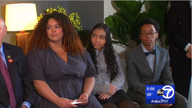 Video: Slain NYPD Officer's Children Given Home by New Yorkers
