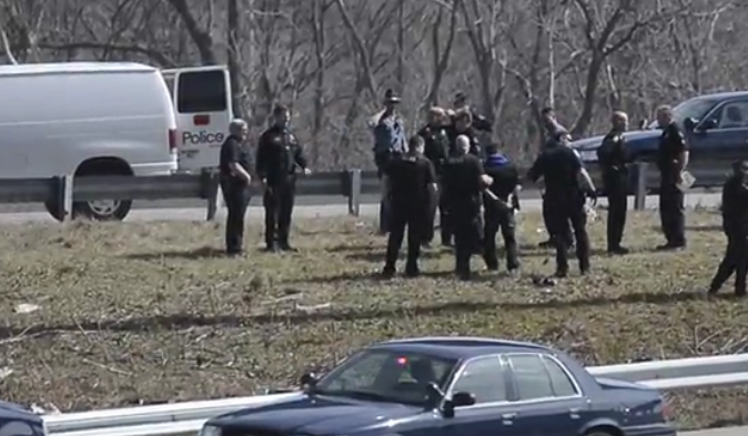 Bank Robbery Suspects Fire on Kansas Officers During Pursuit