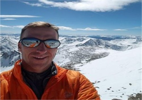 Littleton, CO, police officer Steven Beare is an avid mountain climber. He was last seen climbing Mt. Elbrus in Russia on June 14. (Photo: Family)