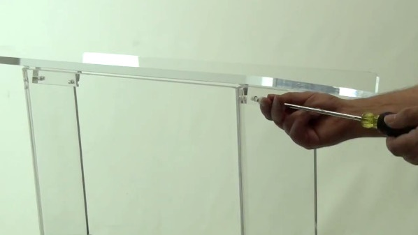 RTA Acrylic Lectern (Photo: AmpliVox)