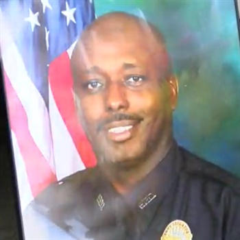 Sgt. Terrence Carraway had served with the Florence Police Department for 30 years. Photo: WJZY-TV screenshot