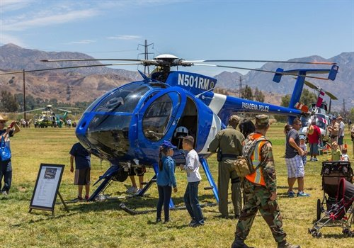 Members of the Pasadena (CA) Police Department invited people to see one of its helicopters up close at the American Heroes Air Show. (Photo: Helinet Aviation)