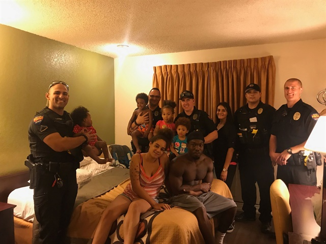 Avondale, AZ, police officers came to the aid of Florida hurricane evacuees last weekend. (Photo: Avondale PD/Facebook)